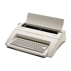 OLYMPIA Typewriter Carrera Deluxe